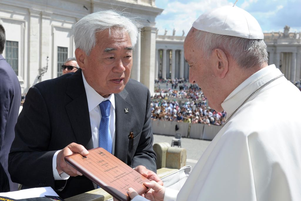 WTF President Chungwon Choue delievers 10th honorary black belt to Pope Francis at the Saint Peter's Square on May 10